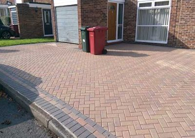 Driveway in Caversham - cleaned, resanded and sealed
