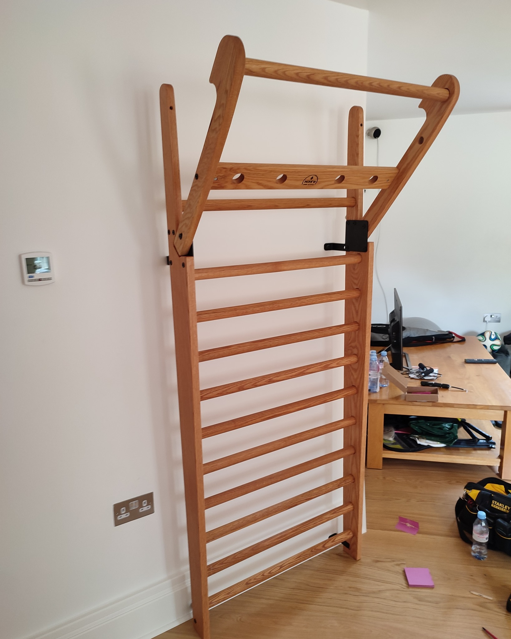 Professional oak wallbars: modified, assembled and installed