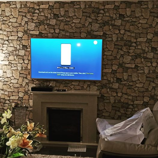 Samsung The Frame QLED TV Mounted in Early